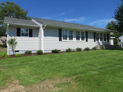 632 W SHORE DR, Swansboro, NC 28584 - Photo 1