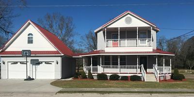 401 S ASHE ST, Bladenboro, NC 28320 - Photo 1