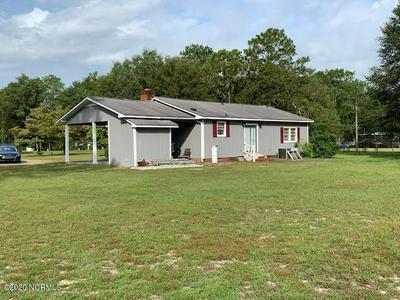 157 SUGAR LOAF RD, Elizabethtown, NC 28337 - Photo 2