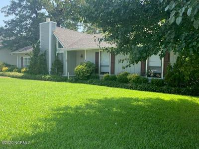 402 SITTON PL, Jacksonville, NC 28546 - Photo 2