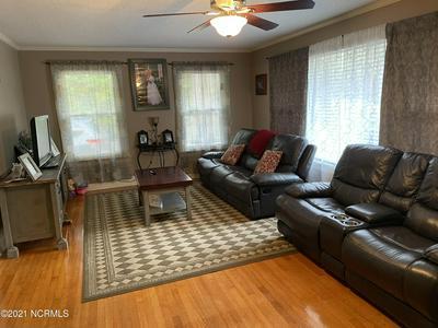 419 LAFAYETTE ST, Clinton, NC 28328 - Photo 2