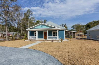 220 STUART AVE, SOUTHPORT, NC 28461 - Photo 1