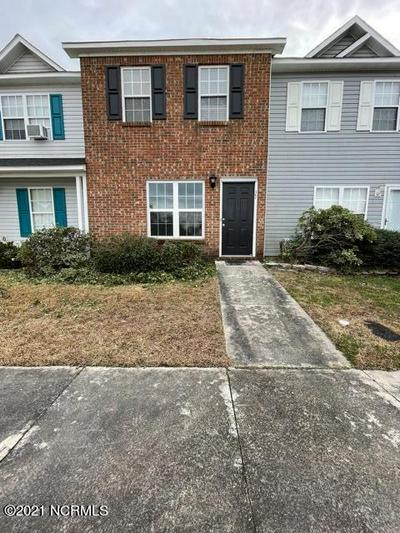 104 FAIRWOOD CT, Jacksonville, NC 28546 - Photo 2