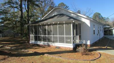305 E PLEASANT ST, Roseboro, NC 28382 - Photo 2