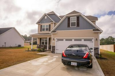 206 BREAKWATER DR, SNEADS FERRY, NC 28460 - Photo 1