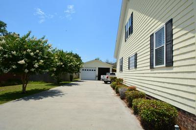 189 DAVIS ST, Harkers Island, NC 28531 - Photo 2