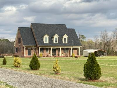 591 REEDSFORD RD, Clinton, NC 28328 - Photo 1