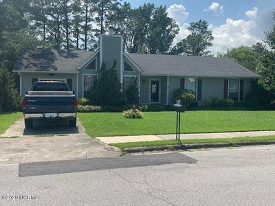 402 SITTON PL, Jacksonville, NC 28546 - Photo 1