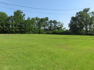 144 QUEENS CREEK RD, Swansboro, NC 28584 - Photo 2