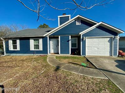 401 HUNTING GREEN DR, Jacksonville, NC 28546 - Photo 1