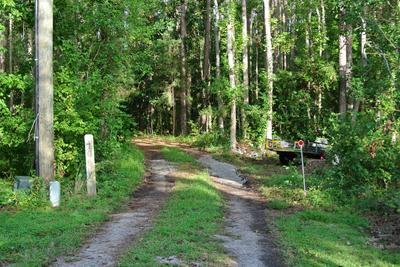 170 WINDY POINT RD, Beaufort, NC 28516 - Photo 2