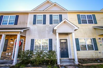 528 OYSTER ROCK LN, Sneads Ferry, NC 28460 - Photo 2