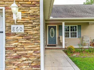 860 OLD FOLKSTONE RD, Sneads Ferry, NC 28460 - Photo 2