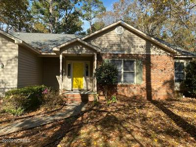 204 BAYTREE DR, Jacksonville, NC 28546 - Photo 1