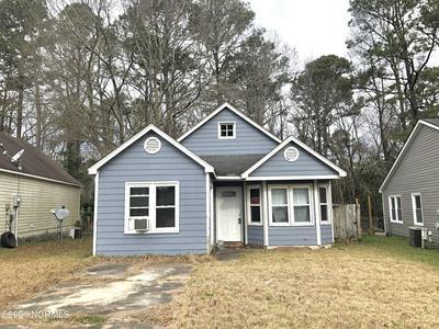 106 MULBERRY LN, Jacksonville, NC 28546 - Photo 1