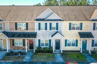 528 OYSTER ROCK LN, Sneads Ferry, NC 28460 - Photo 1