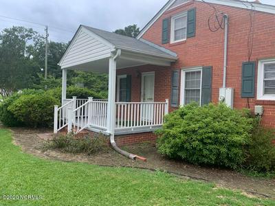 705 W ELIZABETH ST, Clinton, NC 28328 - Photo 2