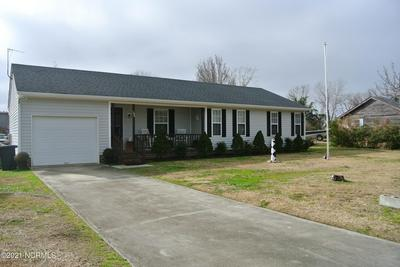105 PEARL DR, Beaufort, NC 28516 - Photo 1