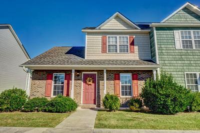 606 SPRINGWOOD DR, Jacksonville, NC 28546 - Photo 2