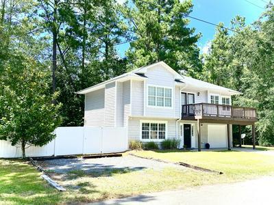 21 LOUISE AVE, Elizabethtown, NC 28337 - Photo 1