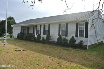 105 PEARL DR, Beaufort, NC 28516 - Photo 2