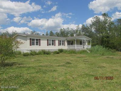 319 MEEKINS RD, Bayboro, NC 28515 - Photo 1
