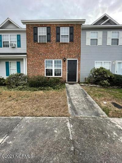 104 FAIRWOOD CT, Jacksonville, NC 28546 - Photo 1