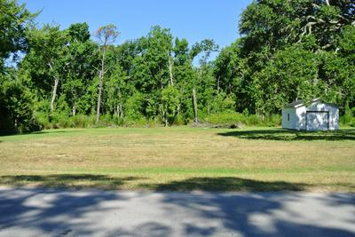 229 LEONDA DR, Beaufort, NC 28516 - Photo 1