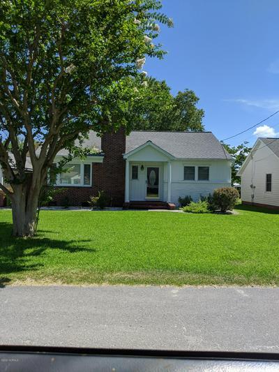 604 E SABISTON DR, Swansboro, NC 28584 - Photo 1