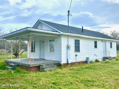600 S EAST ST, Roseboro, NC 28382 - Photo 2