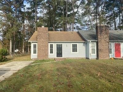 319 W FRANCES ST, Jacksonville, NC 28546 - Photo 2