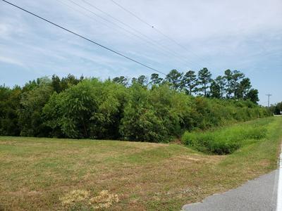 1555 COUNTRY CLUB RD, Morehead City, NC 28557 - Photo 1