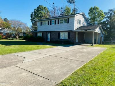403 W 36TH ST, LUMBERTON, NC 28358 - Photo 1