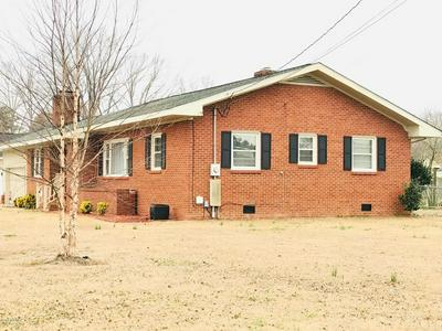 405 WILLOW RD, CLINTON, NC 28328 - Photo 1