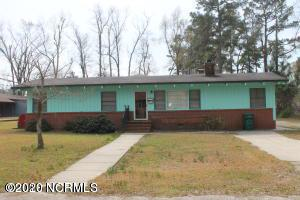 513 W COLLEGE ST, WHITEVILLE, NC 28472 - Photo 1