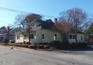 307 E JOHNSON ST, Clinton, NC 28328 - Photo 2