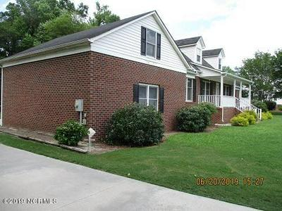 105 CHRISTOPHER CT, CLINTON, NC 28328 - Photo 2