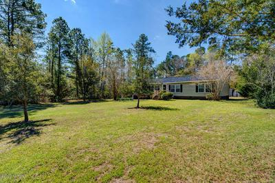 550 GROVES POINT DR, HAMPSTEAD, NC 28443 - Photo 2