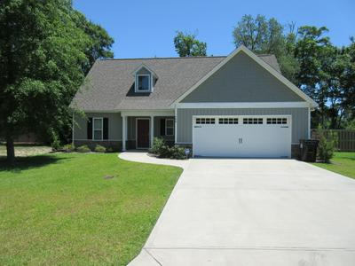 100 GRANGERS CT, Sneads Ferry, NC 28460 - Photo 1