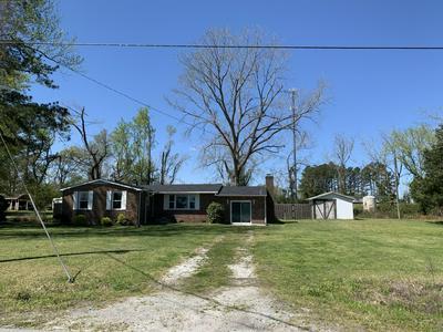 2963 BELGRADE SWANSBORO RD, Maysville, NC 28555 - Photo 2