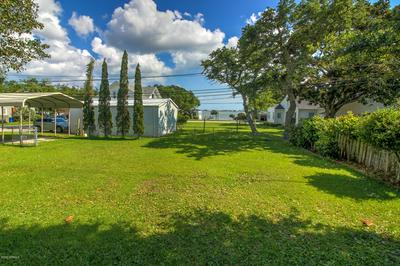 104 S 29TH ST, Morehead City, NC 28557 - Photo 2