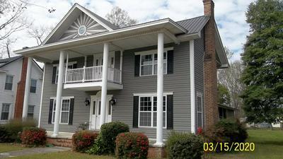 509 S MAIN ST, Bladenboro, NC 28320 - Photo 2