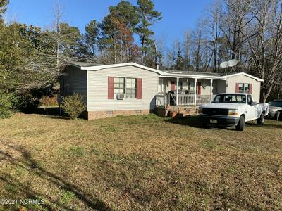 121 PEACHTREE ST, Whiteville, NC 28472 - Photo 1