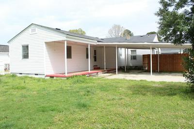 4105 E CHURCH ST, Farmville, NC 27828 - Photo 2