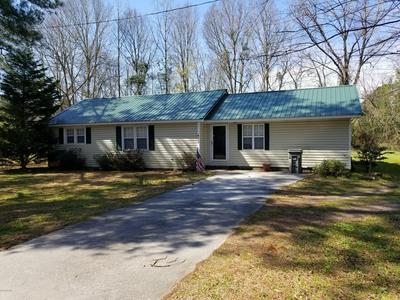 214 ELIZABETHTOWN RD, Bladenboro, NC 28320 - Photo 2
