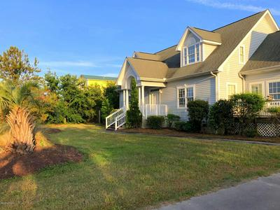 252 BAYVIEW DR, Harkers Island, NC 28531 - Photo 1