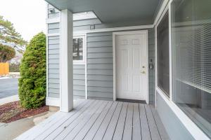 423 W WEBSTER AVE # B, Chelan, WA 98816 - Photo 2
