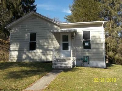148 BEAUMONT RD, Grafton, WV 26354 - Photo 1