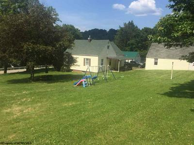495 MANSFIELD DR, Philippi, WV 26416 - Photo 2