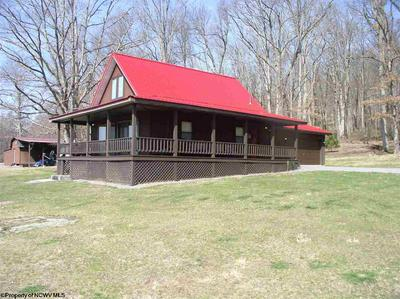 1222 DOGTOWN RD, Reedsville, WV 26547 - Photo 2